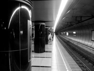 Roppongi is famous for its nightlife yet its subway station here is strangely silent
