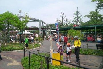 유원지 분위기의 이토즈노모리 공원!
