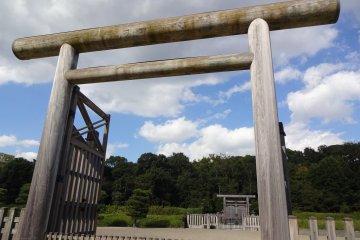 Torii gate with doors at Emperor Jimmu's Mausoleum