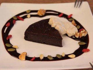 Tahu dan kue gato coklat susu kedelai baik indah maupun lezat, dan tentu saja, sehat!