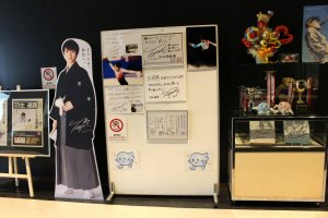 Выставка в фойе катка