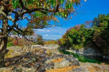 Walking on the Nagatoro Iwadatami rocks