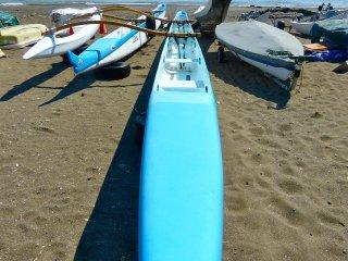 Kayak di pantai