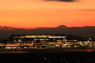 日本机场看灰机