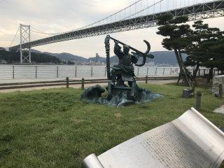 Taman Mimosusogawa akan memberikan Anda pemandangan yang bagus ke Jembatan Kanmon