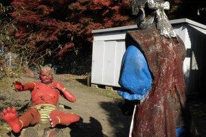 Momotaro pushes the devils around!