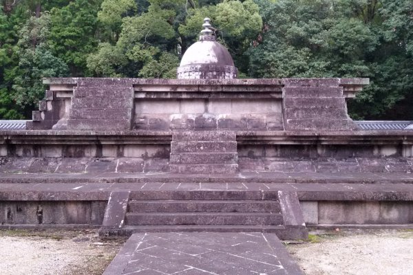 位於唐招提寺境內的戒壇