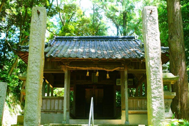 Вид на храм с вершины лестницы