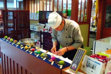 The master confectioner of Kiharu Café, Matsue History Museum, handcrafting wagashi sweets