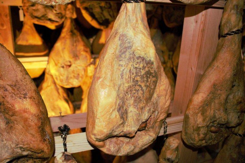 톤톤 히로바의 돼지고기기