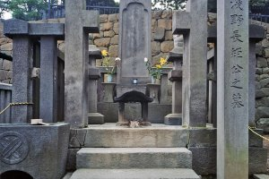 The grave of Asano Naganori in Sengakuji