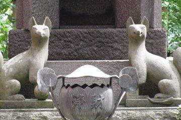 Скульптуры Кицунэ
