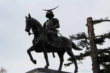 Памятник на горе Аоба
