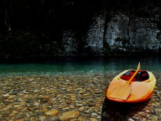 The instructor gives kayaking lessons in the Kumano area for both novices and the experienced.
