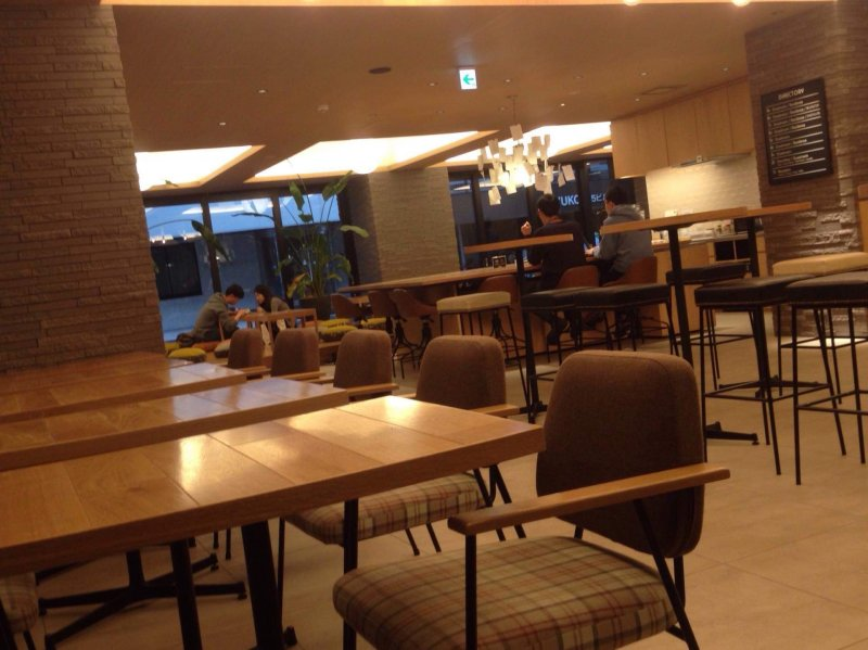 The lounge area looks very much like a café