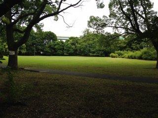 Тишина и спокойствие в парке Юмэносима