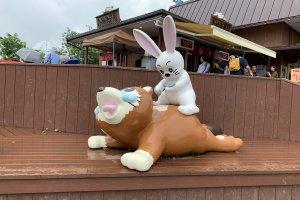 Rabbit getting revenge on tanuki
