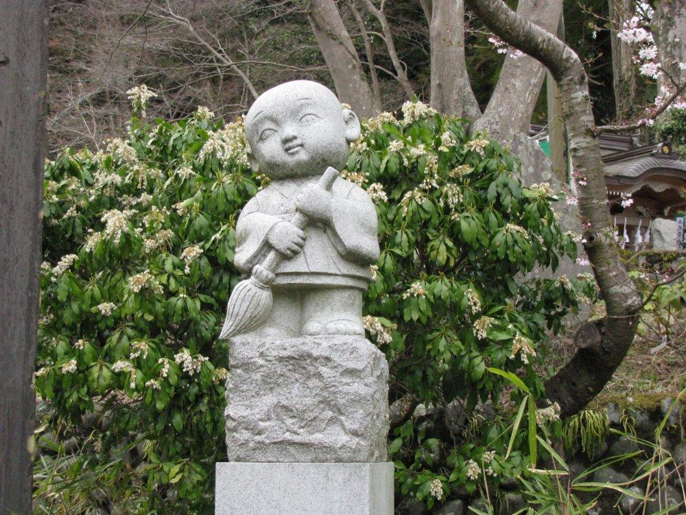 Jizo at the foot of Mt. Takao