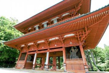 Daimon serves as one of the entrance landmarks to Koyasan