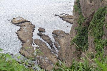 Скалистое побережье Эносимы