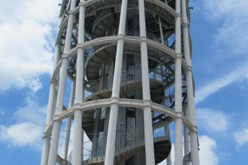Башня-маяк Sea Candle