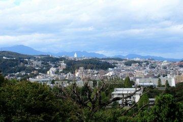 Вид города Сэндай с горы Аоба