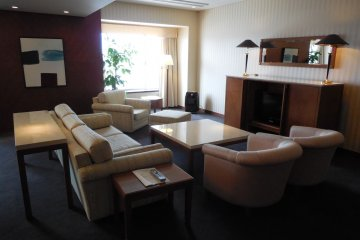 Imperial Suite room - the extremely spacious living room could be used for many occasions