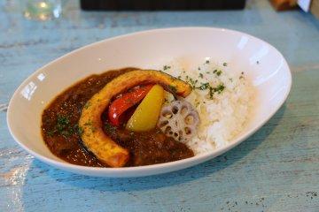 豐盛的日式咖哩(霞廚房)