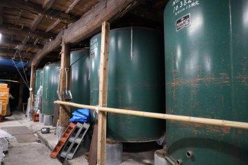 廣瀨商店內的儲存槽