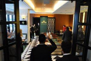 Twilight Express Mizukaze: pre-boarding lounge