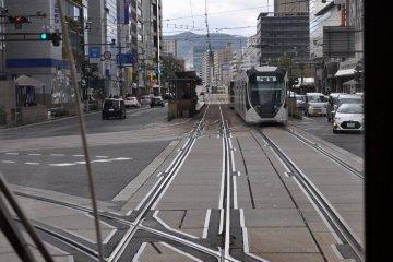 Vintage Hiroshima streetcar: riding the rails