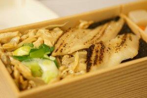 Tokyo's Fukagawa meshi, clams on a bed of rice