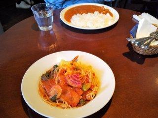 鎌倉野菜のパスタとココナッツチキンカレー