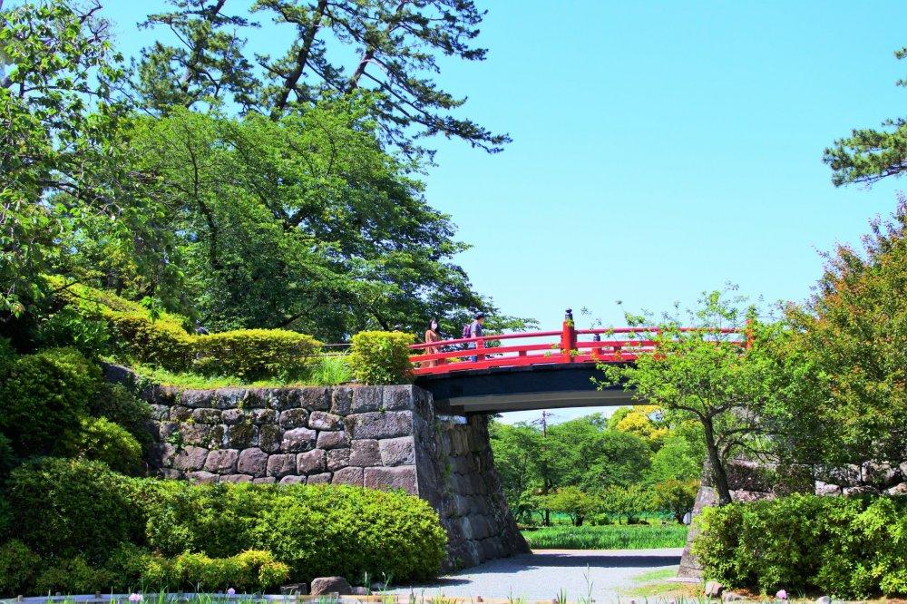 風情ある常盤木橋の景色