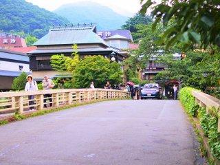 箱根湯本にある橋の風景