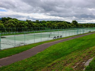 The free public tennis courts along the Shiribetsu River Park