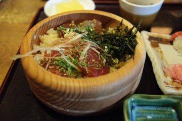 Tekone sushi