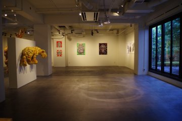 Free entry to the Gallery for guests and visitors of Hotel Anteroom in Kujo one stop south of Kyoto