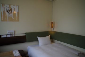 Single room of Hotel Anteroom in Kujo one stop south of Kyoto