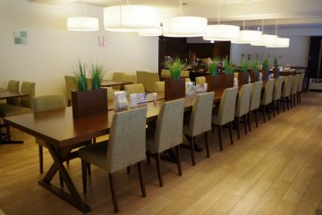 <p>Cafe at Hotel ibis Styles Kyoto Station</p>