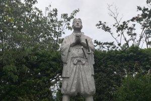 反乱軍のカリスマリーダー、天草四郎の像