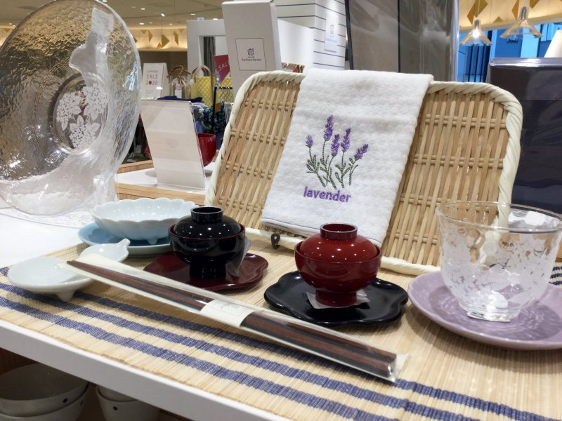 Elegant tableware to enhance your dining experience