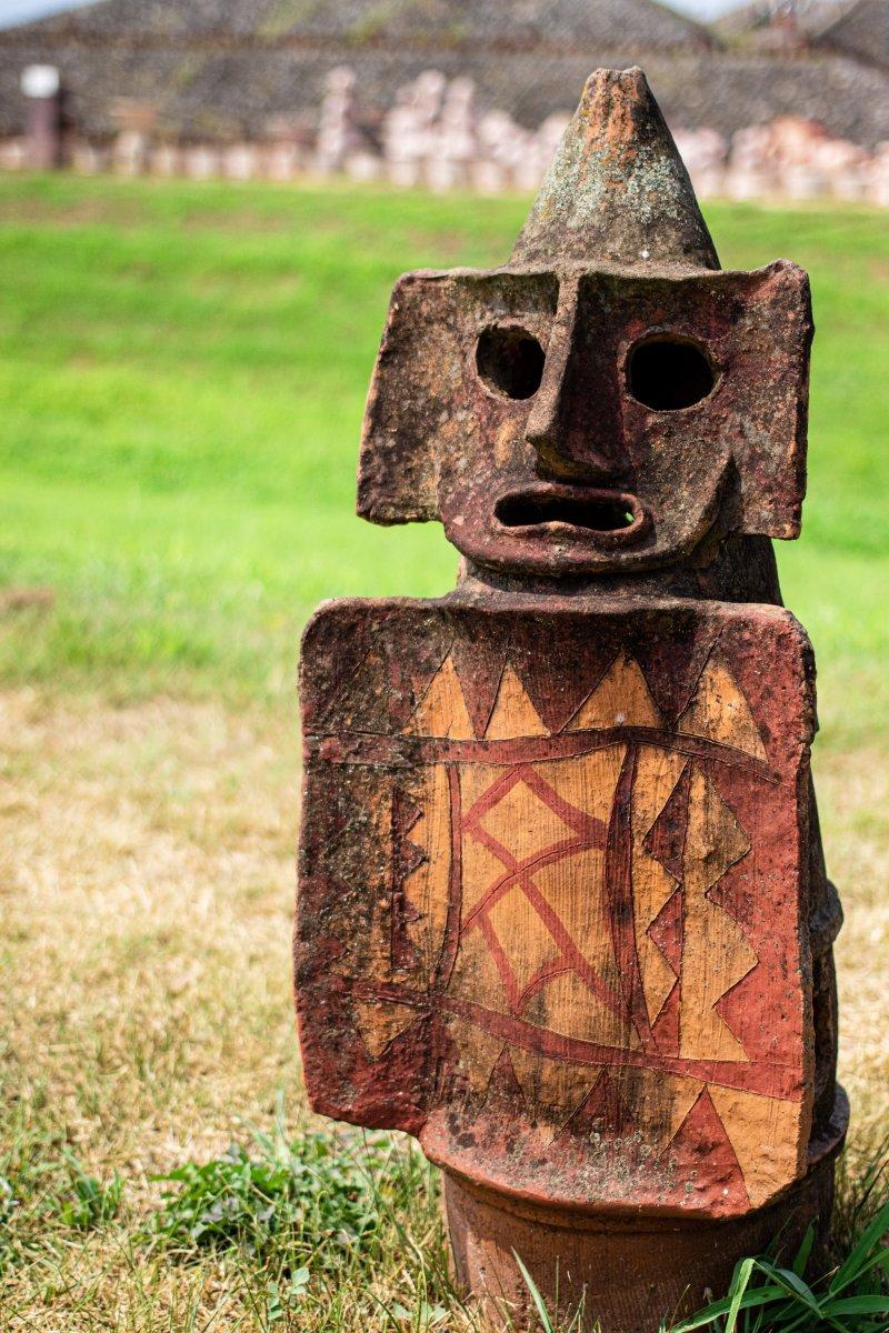 Haniwa are hollow terracotta figurines made in the Kofun Period