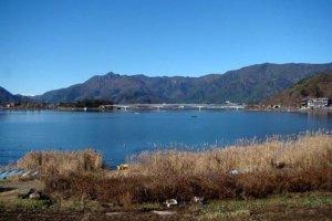 安静而美丽的河口湖
