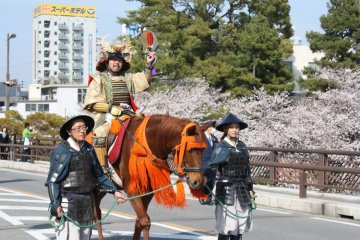 Tokugawa Ieyasu leads the Ieyasu Gyorestu parade.