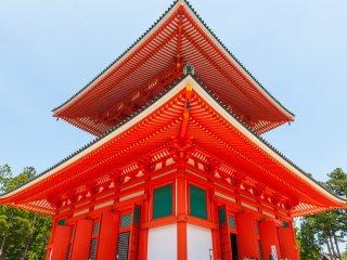 壇上伽藍、高さ48.5mの日本で最初の多宝塔