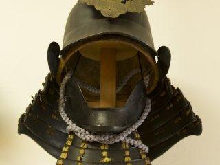 Были также выставлены шлемы. Интересно, хоть один из них видел бой?