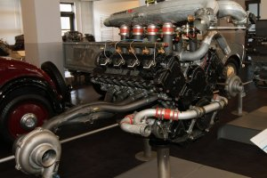 Explore the inner workings of Nissan's engines