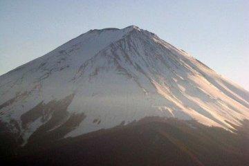 富士山披满落日余晖