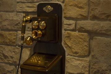 This old phone in the lobby was extremely intriguing at Higashiyama-so Ryokan Kiyomizu